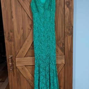 Maxi lace embellished green dress w/ key hole back